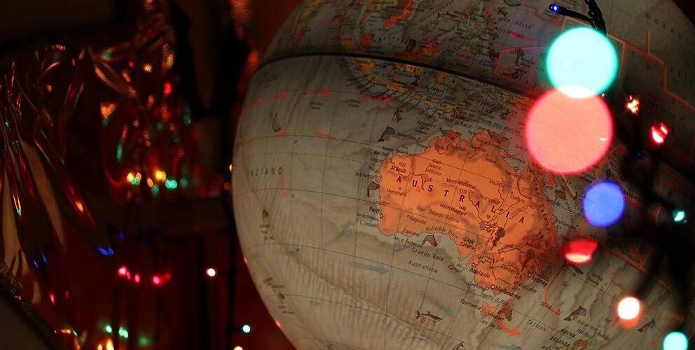Globus mit buntem Licht